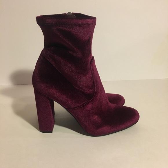 d509b230255 NWOT Steve Madden Edit Burgundy Ankle Boots. M 5a9e1be5077b97dc9cb7fc03